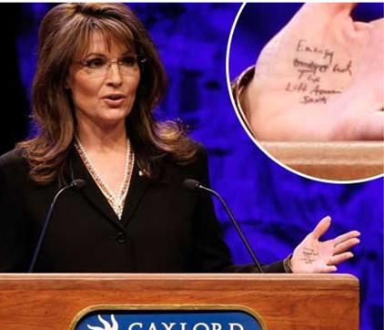 sarah palin hand notes Pic of the Week: Sarah Palin hand notes
