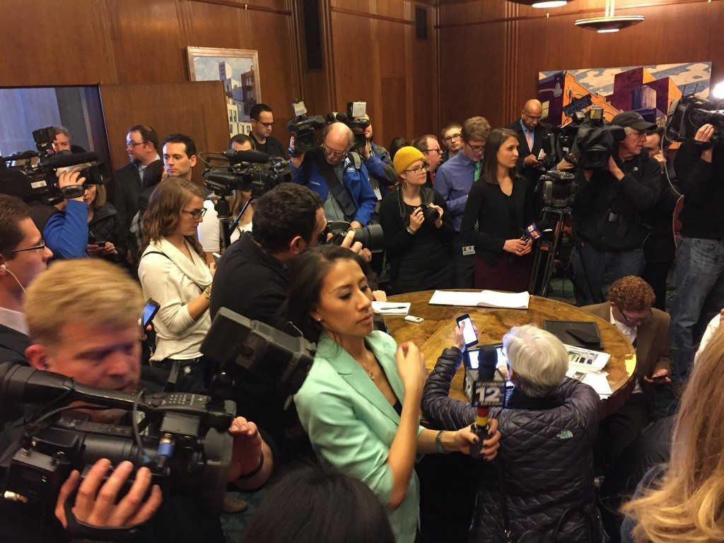 Media in waiting room outside Governor's office in Capitol - Feb 13, 2015 (Oregon Catalyst)